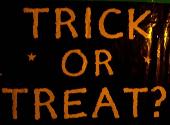 Halloween-have-fun-35962304-2200-1619
